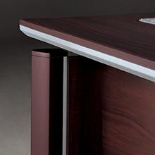 desk-corner-detail